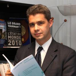 Monsieur est l'actuel directeur de L'IRSEM situŽ ˆ l'Žcole militaire de Paris.